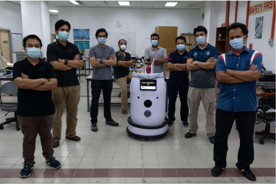 """""""医疗机器人""""在马来西亚病毒病房巡逻"""