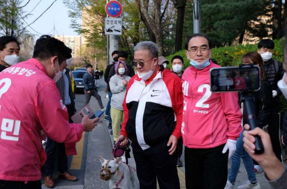 江南风格:前朝鲜外交官在斯旺克首尔区竞选议会议员